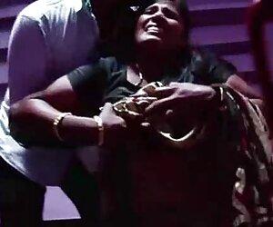 عمه هندی با راننده خود ماساژ داده شد