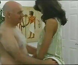 دختر ویتنامی با پیرمرد مقعدی انجام می دهد