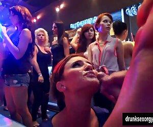 دختران مهمانی سکسی در باشگاه خروس می کشند
