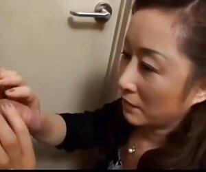 زن و شوهر بالغ ژاپنی فیلم سکسی جوان را لوس می کند