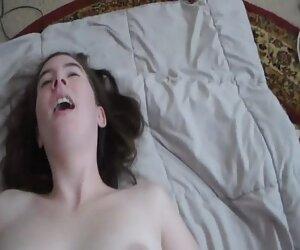 ارگاسم دختر گاوچران سوار بر روی پستان
