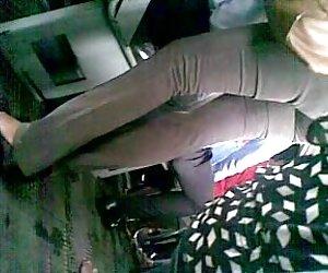 دختر اداری سریلانکا الاغ زیبا در اتوبوس