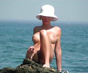 دختران برهنه آماتور در ساحل نشان دادن نوک پستان گربه 44