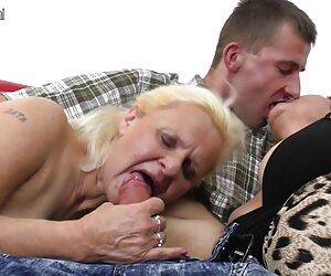 دو مادربزرگ از یک دیک بزرگ در سه نفری لذت می برند