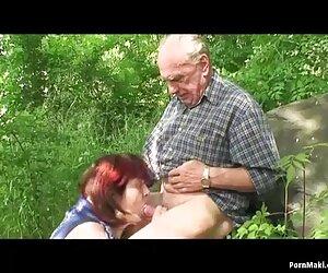 مادربزرگ و پدربزرگ در جاده لعنتی