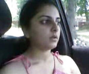 دختر پاکستانی در ماشین