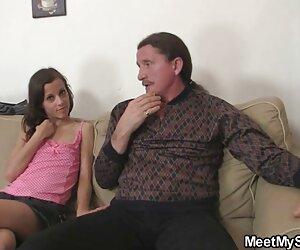او دوست دختر خود را در حال لعنتی با فسیل های خود می یابد
