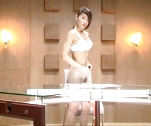 استریپینگ گوینده تلویزیون ژاپن