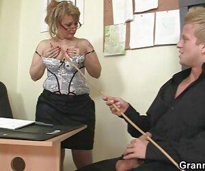 رئیس دفتر بالغ او را در فیلم سکسی Bf Full HD سخت می کند