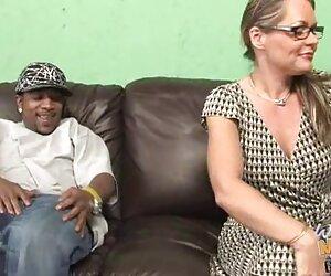 تلویزیون صاحب Super Cougar Kelly Leigh در مقابل پسر بود