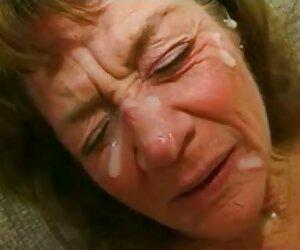 مادربزرگ چین خورده عاشق 4 خروس و بیشتر فیلم سکسی تقدیر داغ است