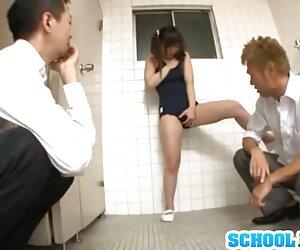 نوجوان ژاپنی در دستشویی لعنتی