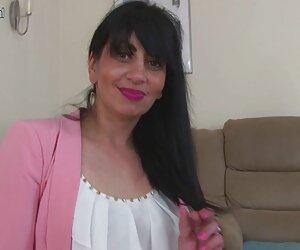 مادر بالغ عرب از انگلستان با گربه گرسنه