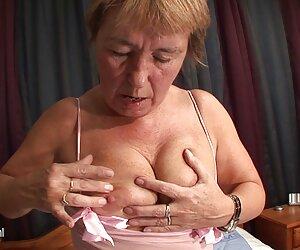 مادربزرگ پیرسن سوراخ شده هنوز هم دوست دارد فیلم سکسی کمدی هندی آن را انجام دهد