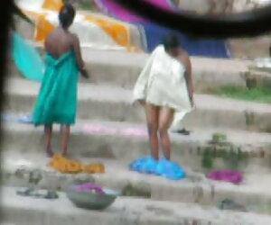 حمام عمه هندی در رودخانه 3